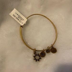 Alex and Ani Eight Point Star Charm Bangle NWT